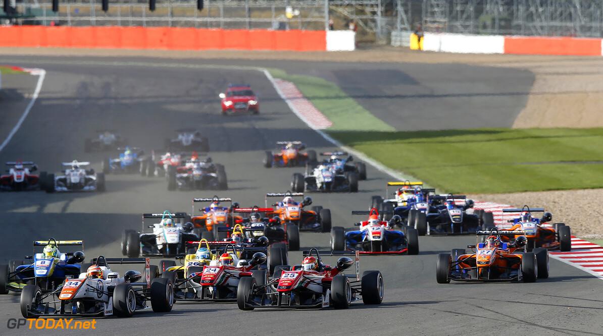 FIA Formula 3 European Championship, round 1, race 3, Silverston 34 Markus Pommer (DEU, Motopark, Dallara F312 - Volkswagen), 24 Brandon Maisano (FRA, Prema Powerteam, Dallara F312 - Mercedes-Benz), 25 Lance Stroll (CAN, Prema Powerteam, Dallara F312 - Mercedes-Benz), 27 Mikkel Jensen (DNK, kfzteile24 Mucke Motorsport, Dallara F312 - Mercedes-Benz), FIA Formula 3 European Championship, round 1, race 3, Silverstone (GBR) - 10. - 12. April 2015 FIA Formula 3 European Championship, round 1, race 3, Silverstone (GBR) Thomas Suer Silverstone Great Britain