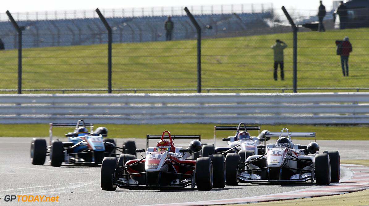 FIA Formula 3 European Championship, round 1, race 3, Silverston 31 Hongwei Cao (CHN, Fortec Motorsports, Dallara F312 - Mercedes-Benz), 17 Julio Moreno (ECU, ThreeBond with T-Sport, Dallara F312 - NBE), 32 Zhi Cong Li (CHN, Fortec Motorsports, Dallara F312 - Mercedes-Benz), 11 Fabian Schiller (DEU, Team West-Tec F3, Dallara F312 - Mercedes-Benz), FIA Formula 3 European Championship, round 1, race 3, Silverstone (GBR) - 10. - 12. April 2015 FIA Formula 3 European Championship, round 1, race 3, Silverstone (GBR) Thomas Suer Silverstone Great Britain
