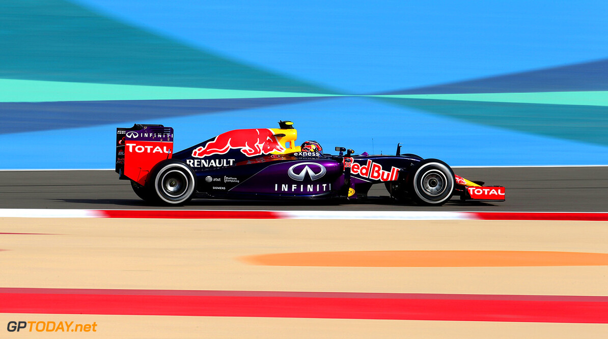 BAHRAIN, BAHRAIN - APRIL 17:  Daniil Kvyat of Russia and Infiniti Red Bull Racing drives during practice for the Bahrain Formula One Grand Prix at Bahrain International Circuit on April 17, 2015 in Bahrain, Bahrain.  (Photo by Mark Thompson/Getty Images) // Getty Images/Red Bull Content Pool // P-20150417-00258 // Usage for editorial use only // Please go to www.redbullcontentpool.com for further information. //  F1 Grand Prix of Bahrain - Practice Mark Thompson As Sakhir Bahrain  P-20150417-00258