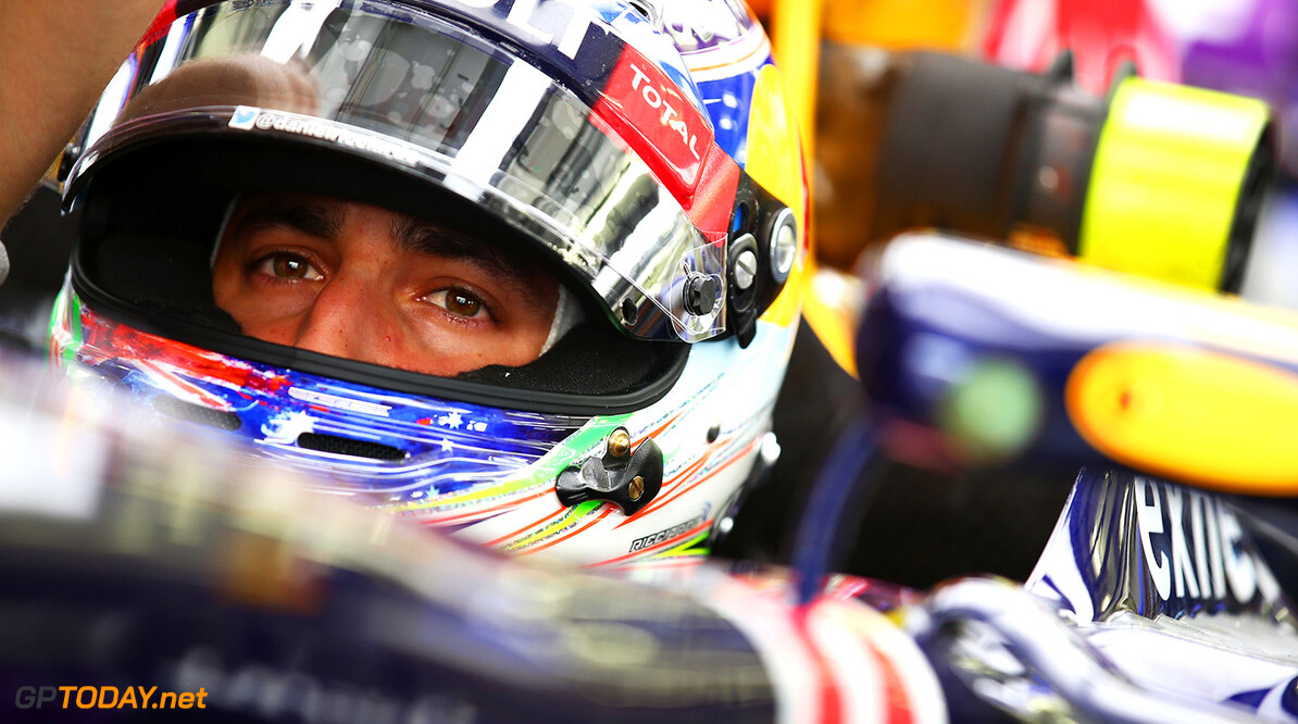 BAHRAIN, BAHRAIN - APRIL 17:  Daniel Ricciardo of Australia and Infiniti Red Bull Racing sits in his car during practice for the Bahrain Formula One Grand Prix at Bahrain International Circuit on April 17, 2015 in Bahrain, Bahrain.  (Photo by Mark Thompson/Getty Images) // Getty Images/Red Bull Content Pool // P-20150417-00254 // Usage for editorial use only // Please go to www.redbullcontentpool.com for further information. //  F1 Grand Prix of Bahrain - Practice Mark Thompson As Sakhir Bahrain  P-20150417-00254