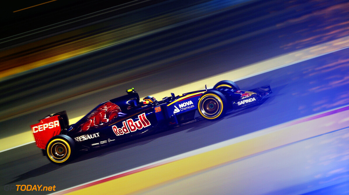 BAHRAIN, BAHRAIN - APRIL 18:  Carlos Sainz of Spain and Scuderia Toro Rosso drives during qualifying for the Bahrain Formula One Grand Prix at Bahrain International Circuit on April 18, 2015 in Bahrain, Bahrain.  (Photo by Mark Thompson/Getty Images) *** Local Caption *** Carlos Sainz F1 Grand Prix of Bahrain - Qualifying Mark Thompson Bahrain Bahrain  formula 1 Formula One Racing Auto Racing Formula 1 Grand Prix of Bahrain Bahrain Formula One Grand Prix Formula One Grand Prix