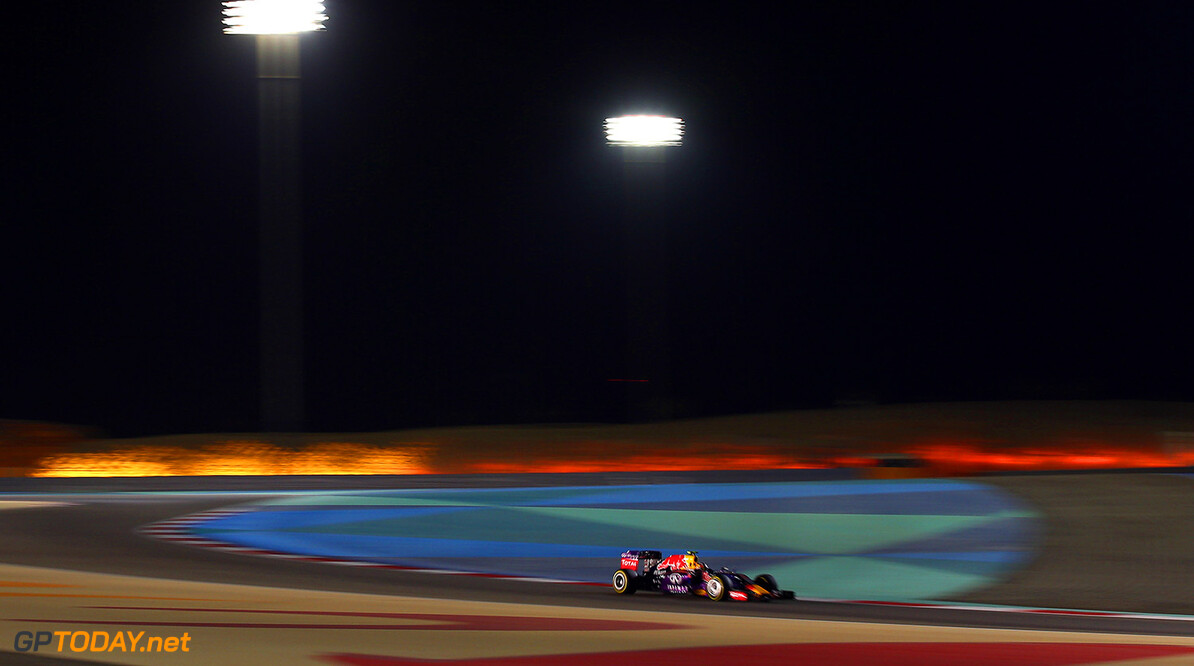 BAHRAIN, BAHRAIN - APRIL 19:  Daniil Kvyat of Russia and Infiniti Red Bull Racing drives during the Bahrain Formula One Grand Prix at Bahrain International Circuit on April 19, 2015 in Bahrain, Bahrain.  (Photo by Mark Thompson/Getty Images) // Getty Images/Red Bull Content Pool // P-20150419-00269 // Usage for editorial use only // Please go to www.redbullcontentpool.com for further information. //  F1 Grand Prix of Bahrain Mark Thompson As Sakhir Bahrain  P-20150419-00269