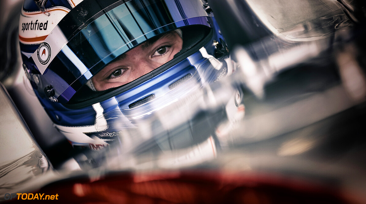 DE_VRIES Nyck (NED) Dams (FRA) ambiance portrait during the 2015 World Series by Renault from April 24th to 26th 2015, at Motorland Aragon, Spain. Photo Jean Michel Le Meur / DPPI. AUTO - WSR MOTORLAND ARAGON 2015 Jean Michel Le Meur Alcaniz Spain  2015 Auto Car CHAMPIONNAT ESPAGNE Europe FORMULA RENAULT FORMULES FR FR 3.5 MONOPLACE Motorsport Race RENAULT SPORT series Sport UNIPLACE VOITURES WORLD WORLD SERIES BY RENAULT WSR 2.0