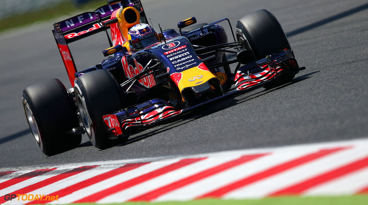 MONTMELO, SPAIN - MAY 09:  Daniel Ricciardo of Australia and Infiniti Red Bull Racing drives during qualifying for the Spanish Formula One Grand Prix at Circuit de Catalunya on May 9, 2015 in Montmelo, Spain.  (Photo by Clive Mason/Getty Images) // Getty Images/Red Bull Content Pool // P-20150509-00895 // Usage for editorial use only // Please go to www.redbullcontentpool.com for further information. //  Spanish F1 Grand Prix - Qualifying Clive Mason Barcelona (City) Spain  P-20150509-00895