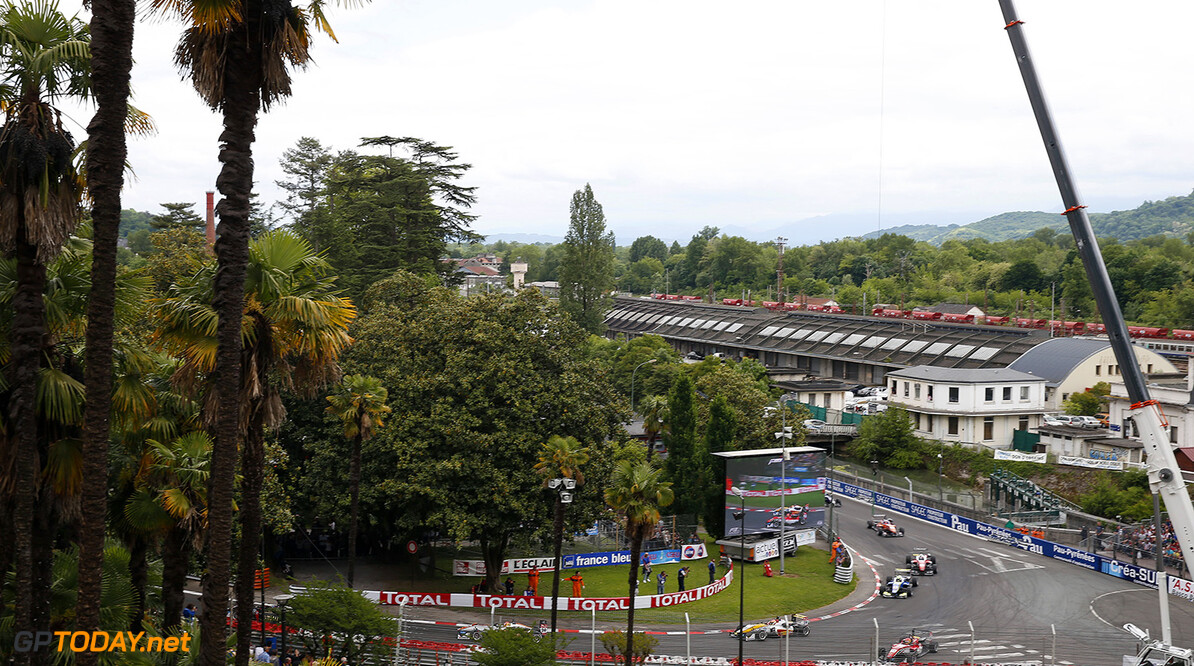 FIA Formula 3 European Championship, round 3, race 3, Pau 29 Arjun Maini (IND, Van Amersfoort Racing, Dallara F312 - Volkswagen), FIA Formula 3 European Championship, round 3, race 3, Pau (FRA) - 15. - 17. May 2015 FIA Formula 3 European Championship, round 3, race 3, Pau (FRA) Thomas Suer Pau France