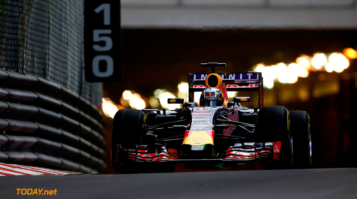 MONTE-CARLO, MONACO - MAY 21:  Daniel Ricciardo of Australia and Infiniti Red Bull Racing drives during practice for the Monaco Formula One Grand Prix at Circuit de Monaco on May 21, 2015 in Monte-Carlo, Monaco.  (Photo by Paul Gilham/Getty Images) // Getty Images/Red Bull Content Pool // P-20150521-00175 // Usage for editorial use only // Please go to www.redbullcontentpool.com for further information. //  F1 Grand Prix of Monaco - Practice Paul Gilham Monte-Carlo (City) Monaco  P-20150521-00175
