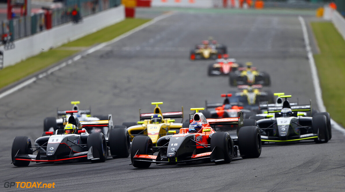 18 PANIS Aurelien (FRA) Tech 1 Racing (FRA) action during the 2015 World Series by Renault from May 29th to 31st 2015, at Spa Francorchamps, Belgium. Photo Frederic Le Floch / DPPI. AUTO - WSR SPA FRANCORCHAMPS 2015 Frederic Le Floch Spa Belgium  2.0 2015 Auto Car CHAMPIONNAT ESPAGNE Europe FORMULA RENAULT FORMULES FR FR 3.5 MONOPLACE Motorsport Race RENAULT SPORT series Sport UNIPLACE VOITURES WORLD WORLD SERIES BY RENAULT WSR