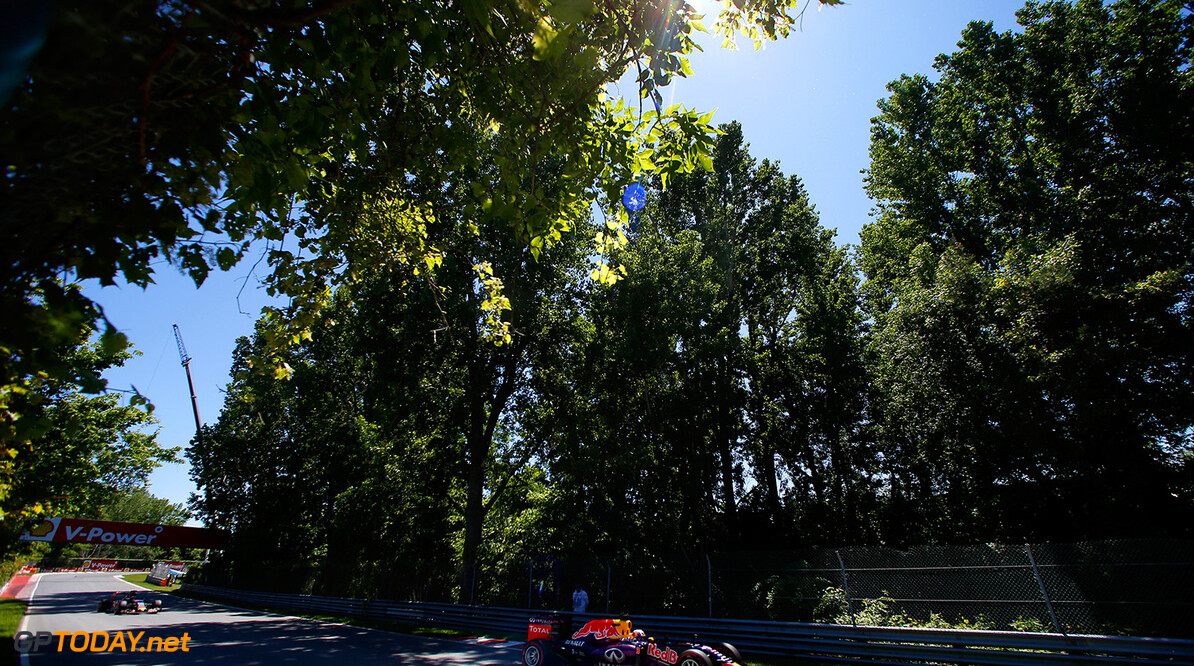 MONTREAL, QC - JUNE 06:  Daniel Ricciardo of Australia and Infiniti Red Bull Racing drives during qualifying for the Canadian Formula One Grand Prix at Circuit Gilles Villeneuve on June 6, 2015 in Montreal, Canada.  (Photo by Charles Coates/Getty Images) // Getty Images/Red Bull Content Pool // P-20150606-00653 // Usage for editorial use only // Please go to www.redbullcontentpool.com for further information. //  Canadian F1 Grand Prix - Qualifying Charles Coates Montreal (City) Canada  P-20150606-00653