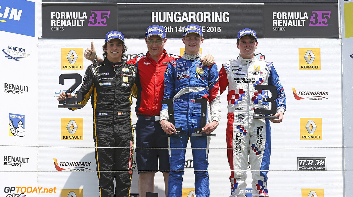 MERHI Roberto (SPA) Pons Racing (SPA) ambiance portrait ORUDZHEV Egor (RUS) Arden Motorsport (GBR) ambiance portrait ROWLAND Oliver (GBR) Fortec Motorsports (GBR) ambiance portrait podium during the 2015 World Series by Renault from June 13th to 15th  2015, at Hungaroring, Budapest, Hungary. Photo Gregory Lenormand / DPPI. AUTO - WSR HUNGARORING 2015 Gregory Lenormand Budapest Hungary  2.0 2015 Auto Car CHAMPIONNAT ESPAGNE Europe FORMULA RENAULT FORMULES FR FR 3.5 MONOPLACE Motorsport Race RENAULT SPORT series Sport UNIPLACE VOITURES WORLD WORLD SERIES BY RENAULT WSR