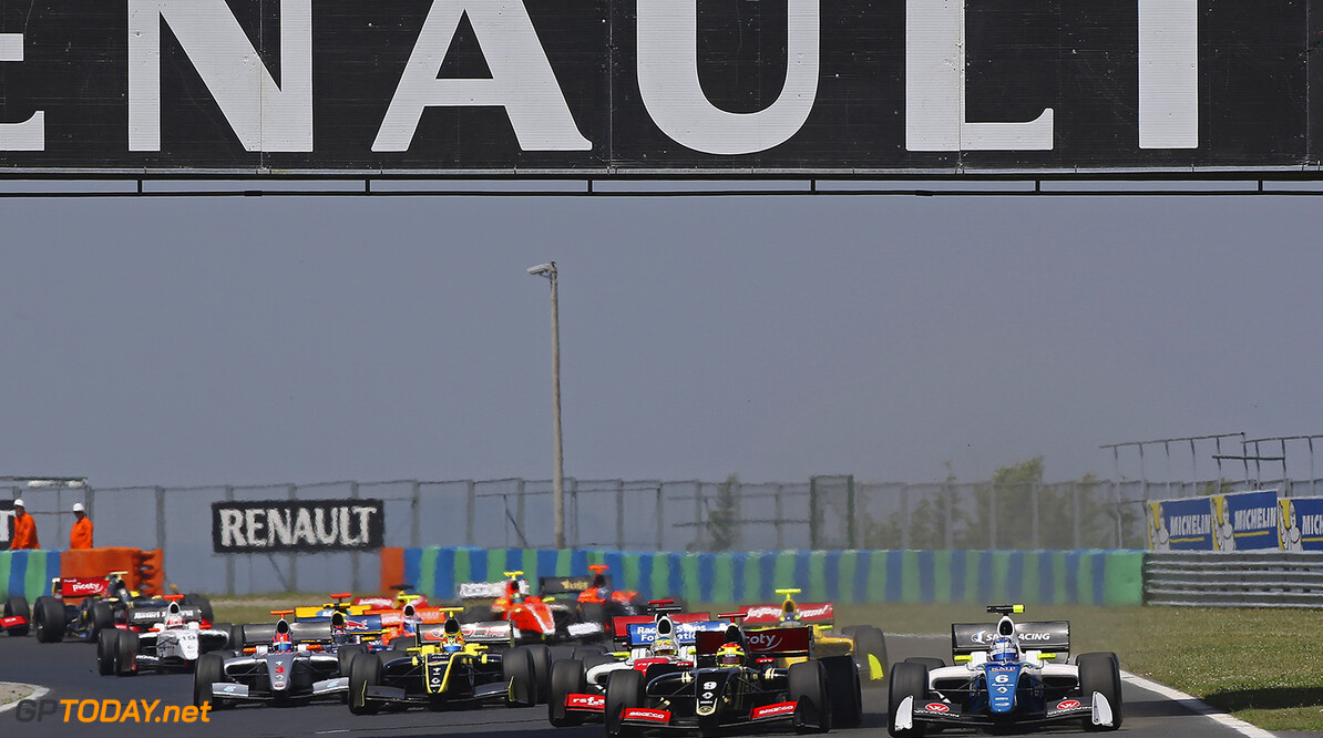 09 VAXIVIERE Matthieu (FRA) Lotus (CZE) action 06 ORUDZHEV Egor (RUS) Arden Motorsport (GBR) action during the 2015 World Series by Renault from June 13th to 15th  2015, at Hungaroring, Budapest, Hungary. Photo Gregory Lenormand / DPPI. AUTO - WSR HUNGARORING 2015 Gregory Lenormand Budapest Hungary  2.0 2015 Auto Car CHAMPIONNAT ESPAGNE Europe FORMULA RENAULT FORMULES FR FR 3.5 MONOPLACE Motorsport Race RENAULT SPORT series Sport UNIPLACE VOITURES WORLD WORLD SERIES BY RENAULT WSR