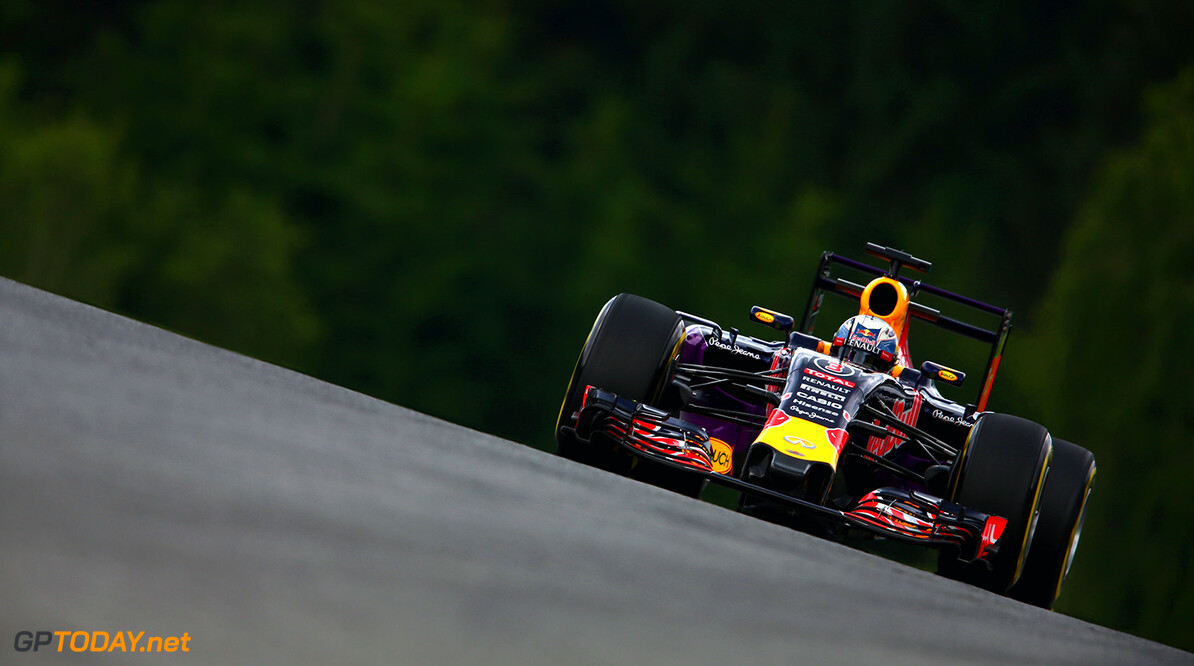 SPIELBERG, AUSTRIA - JUNE 19:  Daniel Ricciardo of Australia and Infiniti Red Bull Racing drives during practice for the Formula One Grand Prix of Austria at Red Bull Ring on June 19, 2015 in Spielberg, Austria.  (Photo by Clive Mason/Getty Images) // Getty Images/Red Bull Content Pool // P-20150619-00430 // Usage for editorial use only // Please go to www.redbullcontentpool.com for further information. //  F1 Grand Prix of Austria - Practice Clive Mason Spielberg Bei Knittelfeld Austria  P-20150619-00430