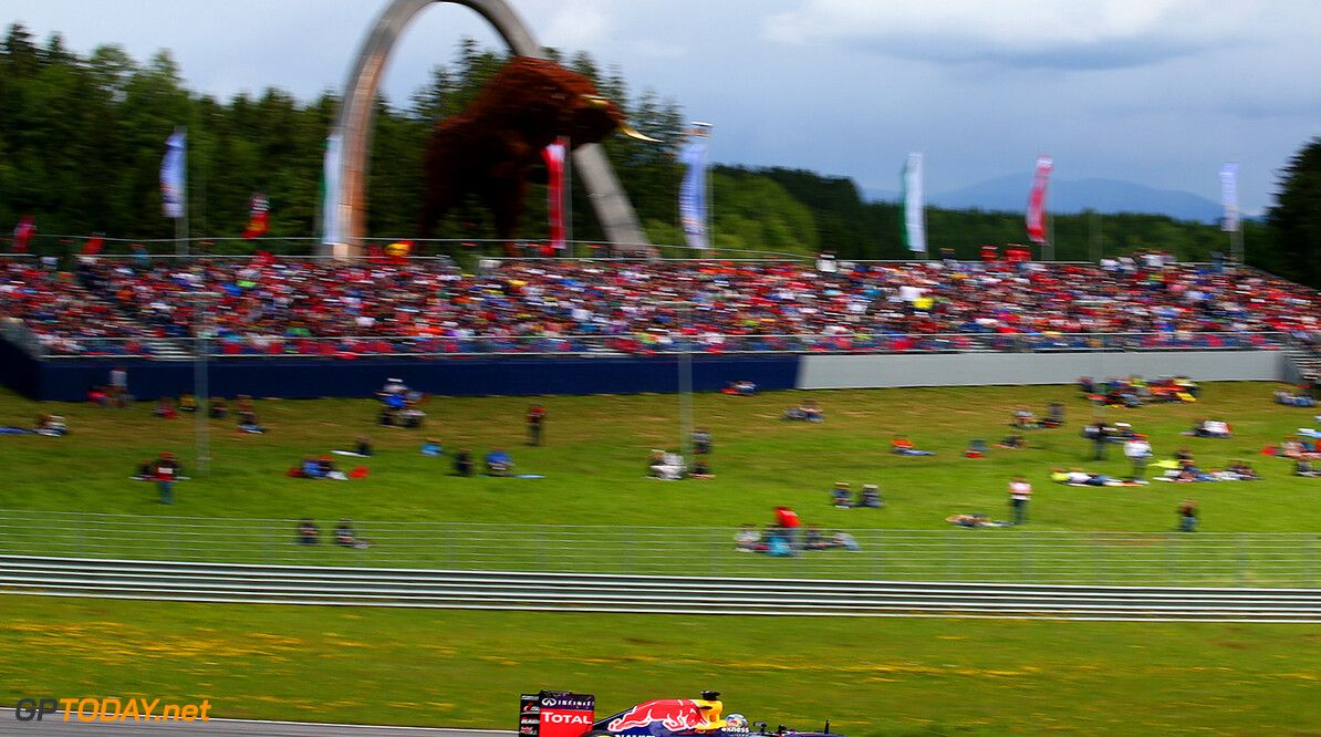 SPIELBERG, AUSTRIA - JUNE 21:  Daniel Ricciardo of Australia and Infiniti Red Bull Racing drives during the Formula One Grand Prix of Austria at Red Bull Ring on June 21, 2015 in Spielberg, Austria.  (Photo by Dan Istitene/Getty Images) // Getty Images/Red Bull Content Pool // P-20150621-00567 // Usage for editorial use only // Please go to www.redbullcontentpool.com for further information. //  F1 Grand Prix of Austria Dan Istitene Spielberg Bei Knittelfeld Austria  P-20150621-00567