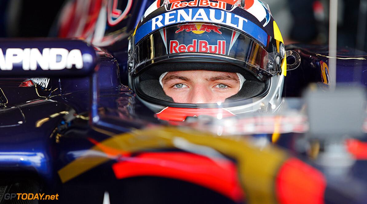 <strong>Video:</strong> Verstappen rijdt met Formule 1-auto over Zandvoort