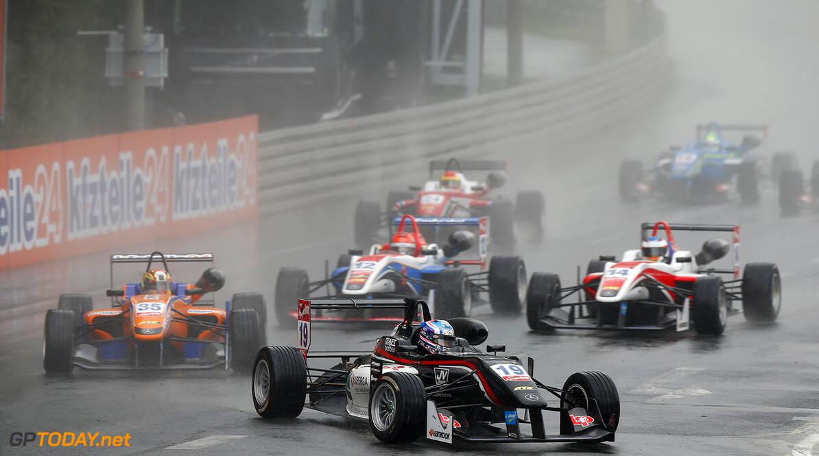 FIA Formula 3 European Championship, round 6, race 1, Norisring 19 Matt Solomon (HKG, Double R Racing, Dallara F312 - Mercedes-Benz), 35 Kang Ling (CHN, kfzteile24 Mucke Motorsport, Dallara F312 - Mercedes-Benz), 12 Pietro Fittipaldi (BRA, Fortec Motorsports, Dallara F312 - Mercedes-Benz), 14 Matthew Rao (GBR, Fortec Motorsports, Dallara F312 - Mercedes-Benz), FIA Formula 3 European Championship, round 6, race 1, Norisring (GER) - 26. - 28. June 2015 FIA Formula 3 European Championship, round 6, race 1, Norisring (GER) Thomas Suer Nuremberg Germany