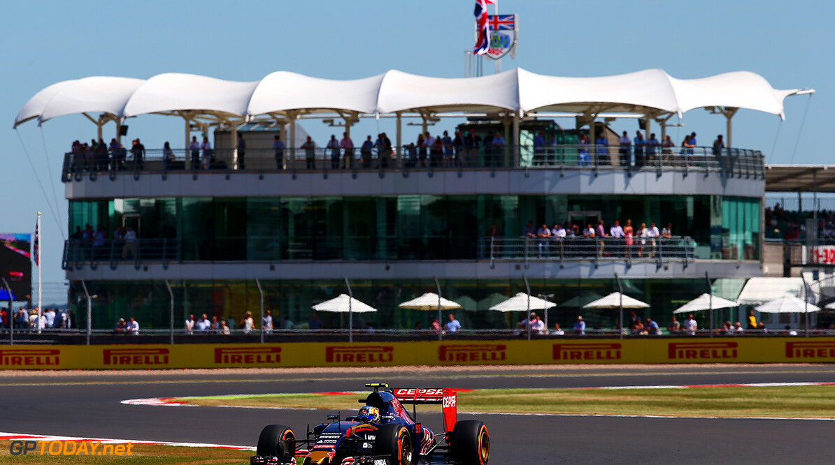 NORTHAMPTON, ENGLAND - JULY 03:  Carlos Sainz of Spain and Scuderia Toro Rosso drives during practice for the Formula One Grand Prix of Great Britain at Silverstone Circuit on July 3, 2015 in Northampton, England.  (Photo by Mark Thompson/Getty Images) // Getty Images/Red Bull Content Pool // P-20150703-00455 // Usage for editorial use only // Please go to www.redbullcontentpool.com for further information. //  F1 Grand Prix of Great Britain - Practice Mark Thompson Silverstone United Kingdom  P-20150703-00455