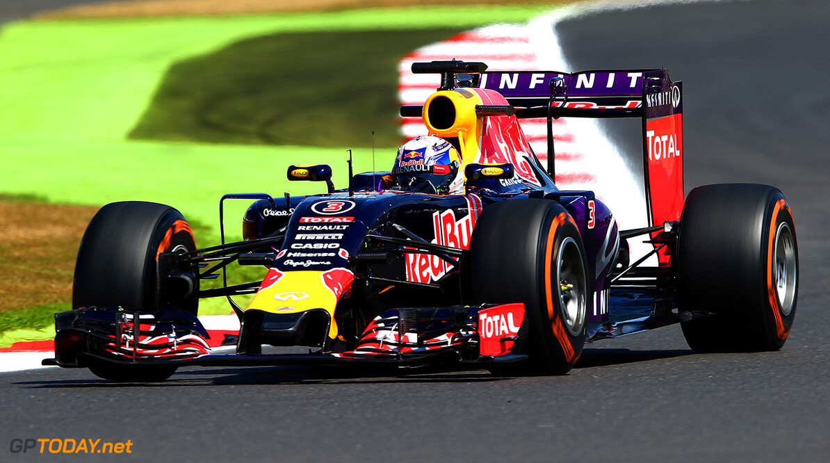 NORTHAMPTON, ENGLAND - JULY 03:  Daniel Ricciardo of Australia and Infiniti Red Bull Racing drives during practice for the Formula One Grand Prix of Great Britain at Silverstone Circuit on July 3, 2015 in Northampton, England.  (Photo by Mark Thompson/Getty Images) // Getty Images/Red Bull Content Pool // P-20150703-00425 // Usage for editorial use only // Please go to www.redbullcontentpool.com for further information. //  F1 Grand Prix of Great Britain - Practice Mark Thompson Silverstone United Kingdom  P-20150703-00425