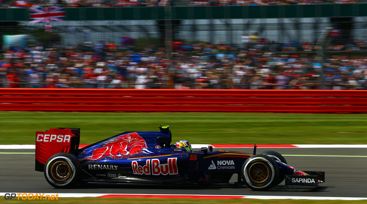 NORTHAMPTON, ENGLAND - JULY 04:  Carlos Sainz of Spain and Scuderia Toro Rosso drives during final practice for the Formula One Grand Prix of Great Britain at Silverstone Circuit on July 4, 2015 in Northampton, England.  (Photo by Clive Mason/Getty Images) // Getty Images/Red Bull Content Pool // P-20150704-00169 // Usage for editorial use only // Please go to www.redbullcontentpool.com for further information. //  F1 Grand Prix of Great Britain - Qualifying Clive Mason Silverstone United Kingdom  P-20150704-00169
