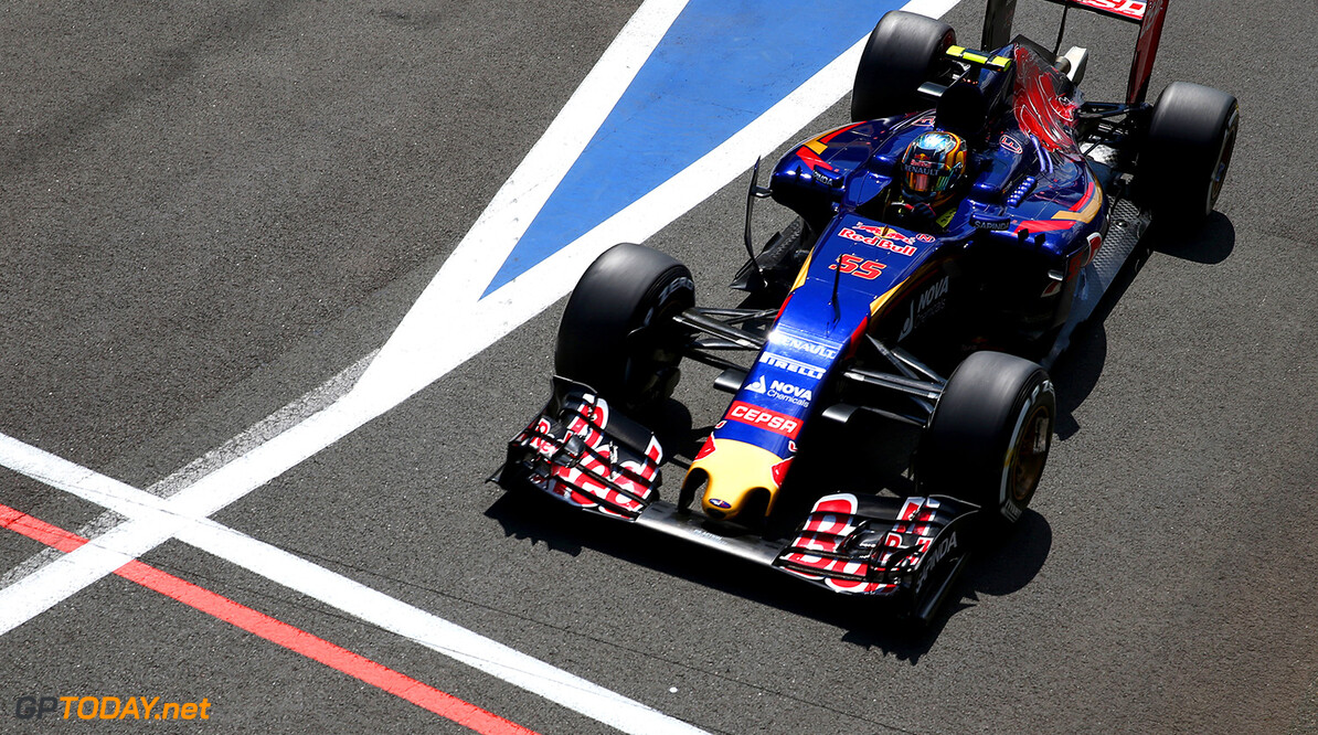 NORTHAMPTON, ENGLAND - JULY 04:  Carlos Sainz of Spain and Scuderia Toro Rosso drives during qualifying for the Formula One Grand Prix of Great Britain at Silverstone Circuit on July 4, 2015 in Northampton, England.  (Photo by Mark Thompson/Getty Images) // Getty Images/Red Bull Content Pool // P-20150704-00294 // Usage for editorial use only // Please go to www.redbullcontentpool.com for further information. //  F1 Grand Prix of Great Britain - Qualifying Mark Thompson Silverstone United Kingdom  P-20150704-00294