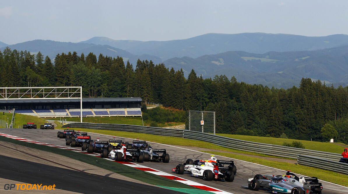 Start of the race 2 during the 2015 Formula Renault 3.5 race at Red Bull Ring, Spielberg, Austria, from July 10th to 12th 2015. Photo DPPI / Florent Gooden. Auto - Fr 3.5 race at Red Bull Ring 2015 Florent Gooden Spielberg Austria  AUTO CAR FR FR 3.5 Formule Renault MONOPLACE Motorsport Race UNIPLACE WSR World Series by Renault