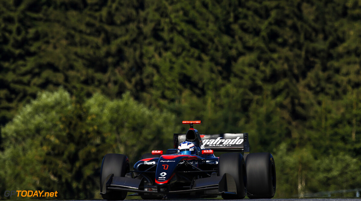 during the 2015 Formula Renault 3.5 race at Red Bull Ring, Spielberg, Austria, from July 10th to 12th 2015. Photo DPPI / Florent Gooden. Auto - Fr 3.5 race at Red Bull Ring 2015 Florent Gooden Spielberg Austria  AUTO CAR FR FR 3.5 Formule Renault MONOPLACE Motorsport Race UNIPLACE WSR World Series by Renault