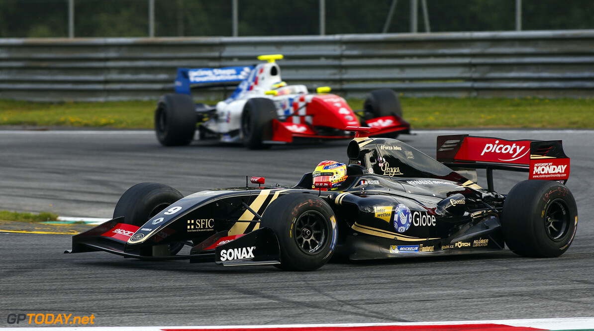 09 VAXIVIERE Matthieu (FRA) Lotus (CZE) action during the 2015 Formula Renault 3.5 race at Red Bull Ring, Spielberg, Austria, from July 10th to 12th 2015. Photo DPPI / Florent Gooden. Auto - Fr 3.5 race at Red Bull Ring 2015 Florent Gooden Spielberg Austria  AUTO CAR FR FR 3.5 Formule Renault MONOPLACE Motorsport Race UNIPLACE WSR World Series by Renault