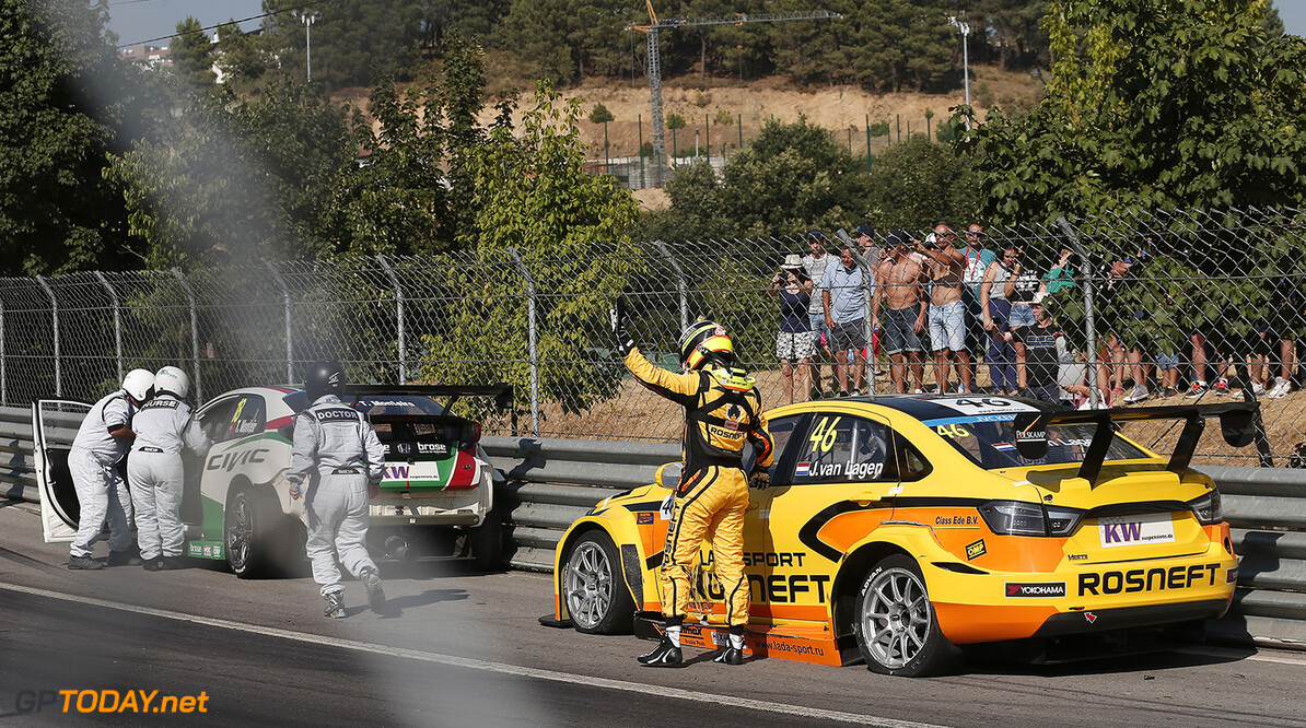 18 MONTEIRO Tiago (por) Honda Civic team Honda racing Jas action 46 VAN LAAGEN Jaap (ned) Lada Vesta team Lada Sport Rosneft action CRASH during the 2015 FIA WTCC World Touring Car Championship race of Portugal, Vila Real from July 10th to 12th 2015. Photo Jean Michel Le Meur / DPPI. Auto - WTCC Portugal 2015 Jean Michel Le Meur  Vila Real Portugal  Auto CHAMPIONNAT DU MONDE CIRCUIT COURSE FIA Motorsport TOURISME WTCC