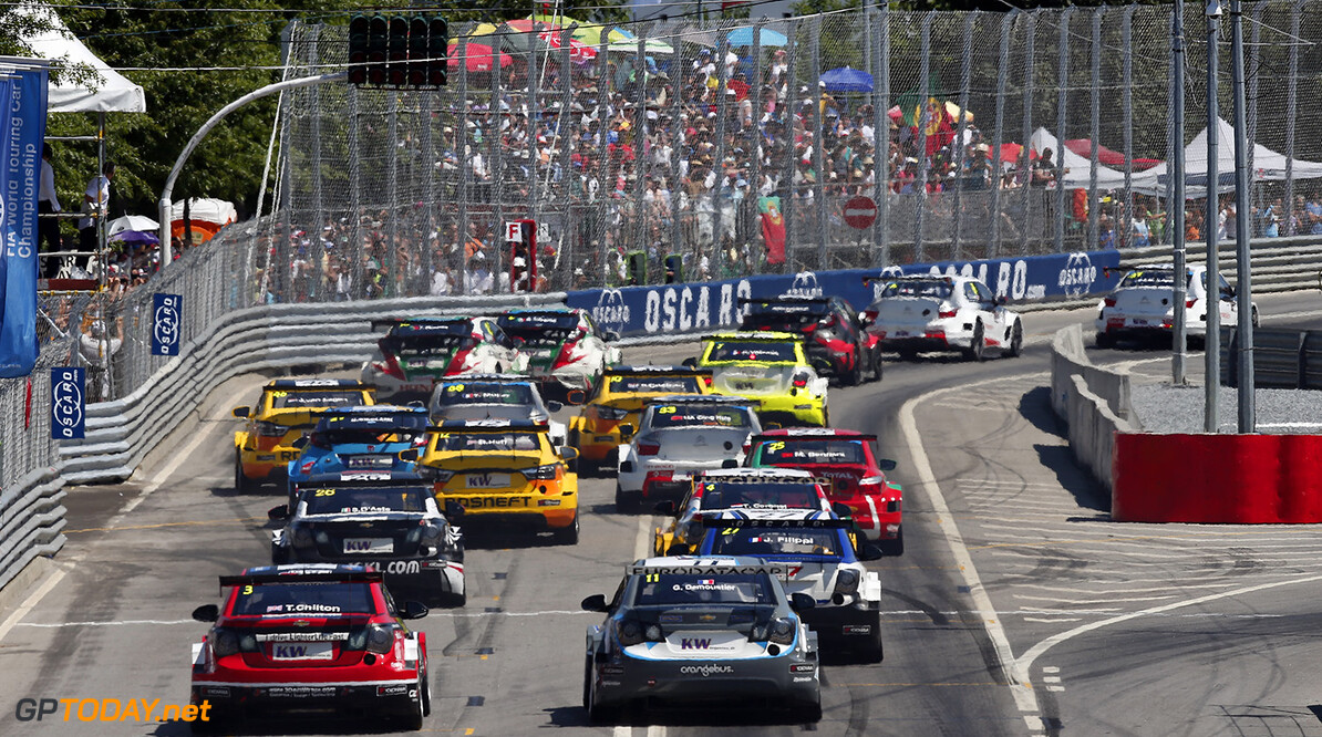 Start of the first race during the 2015 FIA WTCC World Touring Car Championship race of Portugal, Vila Real from July 10th to 12th 2015. Photo Alexandre Guillaumot / DPPI. Auto - WTCC Portugal 2015 Alexandre Guillaumot    Auto CHAMPIONNAT DU MONDE CIRCUIT COURSE FIA Motorsport TOURISME WTCC