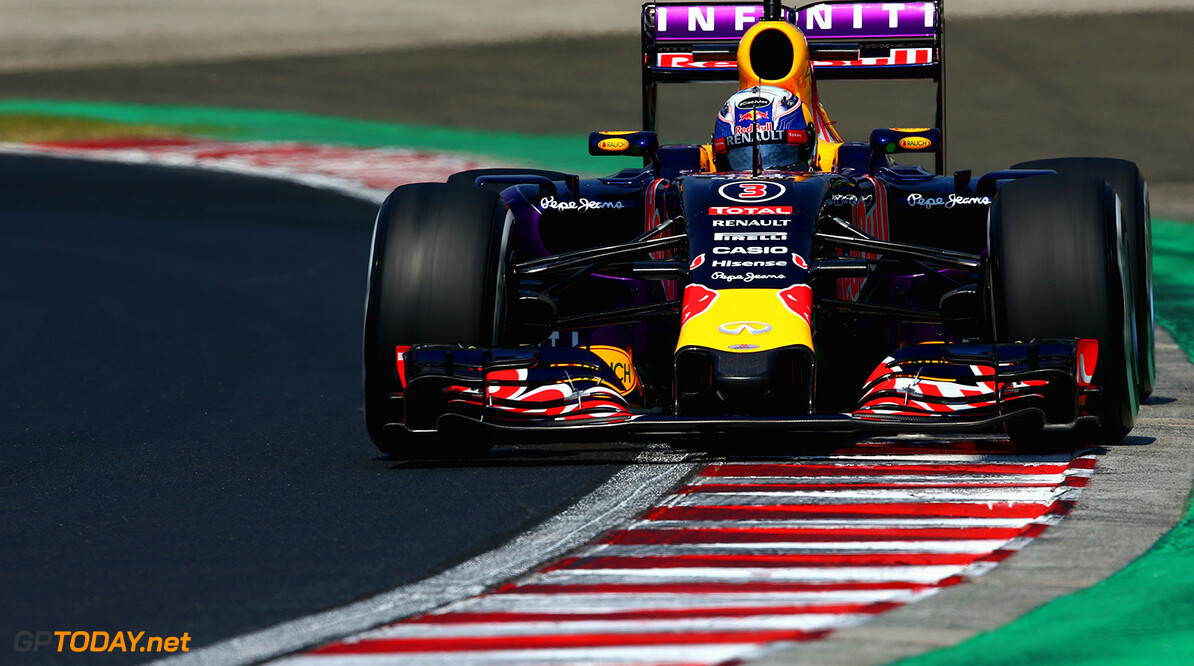 BUDAPEST, HUNGARY - JULY 24:  Daniel Ricciardo of Australia and Infiniti Red Bull Racing drives during practice for the Formula One Grand Prix of Hungary at Hungaroring on July 24, 2015 in Budapest, Hungary.  (Photo by Clive Mason/Getty Images) // Getty Images/Red Bull Content Pool // P-20150724-00356 // Usage for editorial use only // Please go to www.redbullcontentpool.com for further information. //  F1 Grand Prix of Hungary - Practice Clive Mason Budapest Hungary  P-20150724-00356