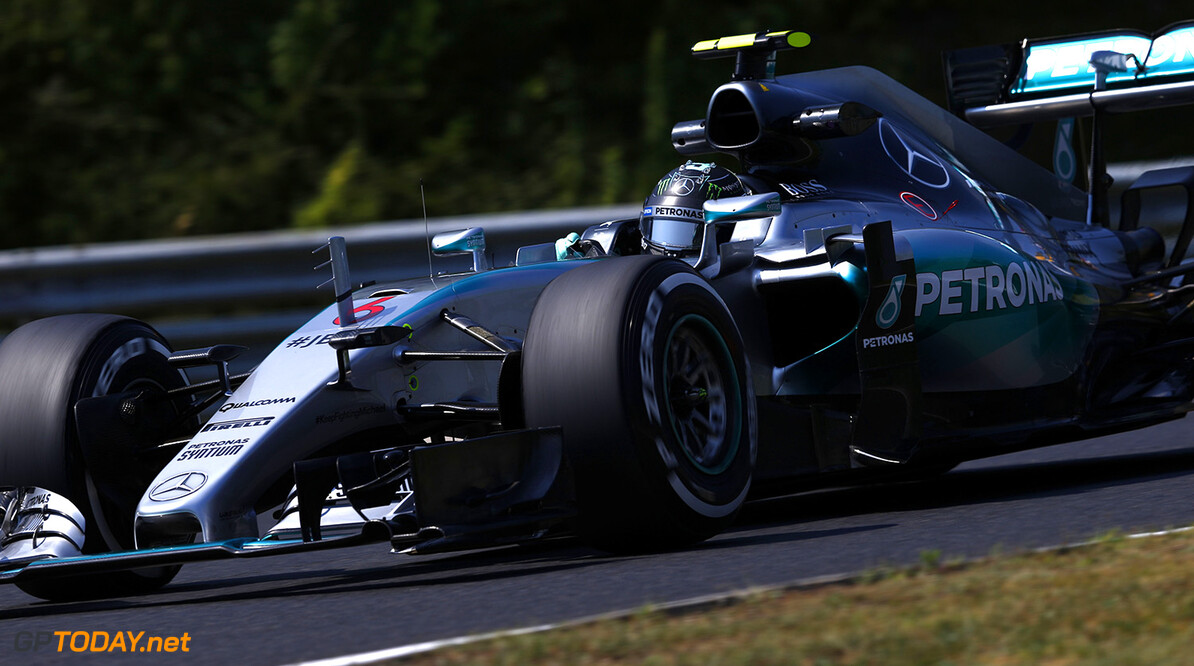 Mercedes with 'spoon' rear wing in Spa practice