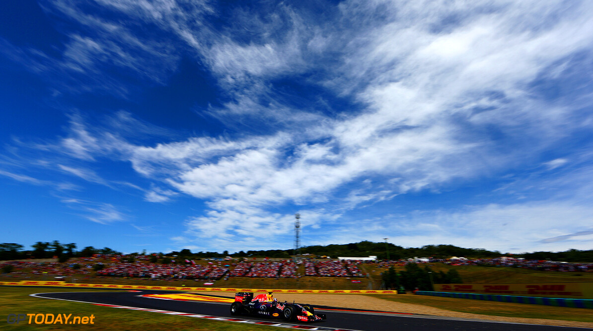 BUDAPEST, HUNGARY - JULY 26:  (EDITORS NOTE: This image has been created using a polarising filter)  Daniel Ricciardo of Australia and Infiniti Red Bull Racing drives during the Formula One Grand Prix of Hungary at Hungaroring on July 26, 2015 in Budapest, Hungary.  (Photo by Clive Mason/Getty Images) // Getty Images/Red Bull Content Pool // P-20150726-00139 // Usage for editorial use only // Please go to www.redbullcontentpool.com for further information. //  F1 Grand Prix of Hungary Clive Mason Budapest Hungary  P-20150726-00139