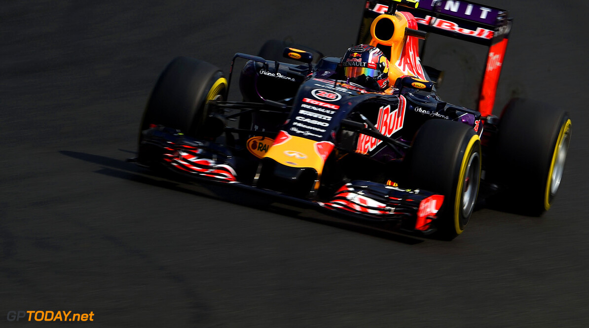 BUDAPEST, HUNGARY - JULY 25:  Daniil Kvyat of Russia and Infiniti Red Bull Racing drives during qualifying for the Formula One Grand Prix of Hungary at Hungaroring on July 25, 2015 in Budapest, Hungary.  (Photo by Lars Baron/Getty Images) // Getty Images/Red Bull Content Pool // P-20150725-00331 // Usage for editorial use only // Please go to www.redbullcontentpool.com for further information. //  F1 Grand Prix of Hungary - Qualifying Lars Baron Budapest Hungary  P-20150725-00331