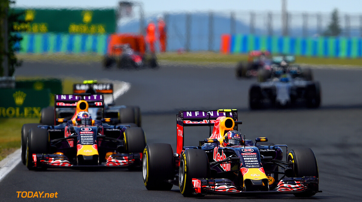BUDAPEST, HUNGARY - JULY 26:  Daniil Kvyat of Russia and Infiniti Red Bull Racing drives ahead of Daniel Ricciardo of Australia and Infiniti Red Bull Racing during the Formula One Grand Prix of Hungary at Hungaroring on July 26, 2015 in Budapest, Hungary.  (Photo by Lars Baron/Getty Images) // Getty Images/Red Bull Content Pool // P-20150726-00147 // Usage for editorial use only // Please go to www.redbullcontentpool.com for further information. //  F1 Grand Prix of Hungary Lars Baron Budapest Hungary  P-20150726-00147