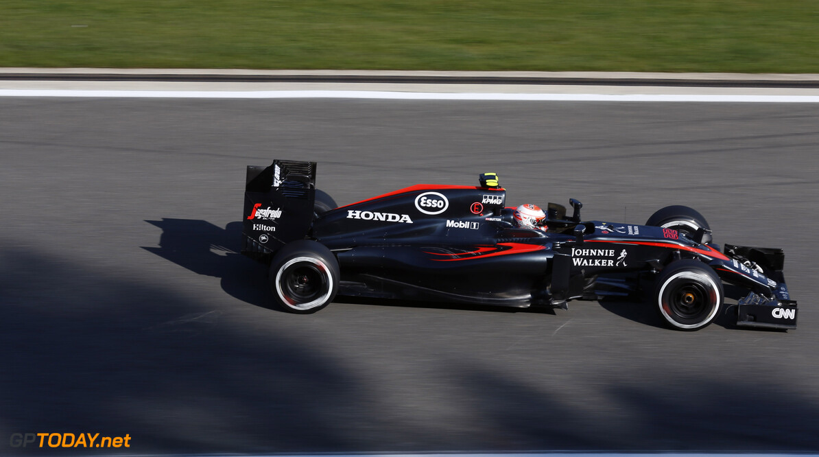 Button tips teams Magnussen for 2016 race seat