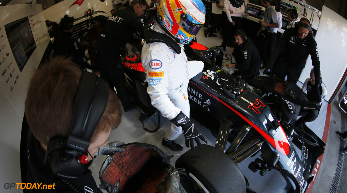 Alonso 'disappointed' but 'very motivated' - Sainz