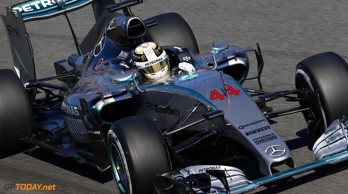 Hamilton hoopt in 2017 op meer 'close racing' door nieuwe regels