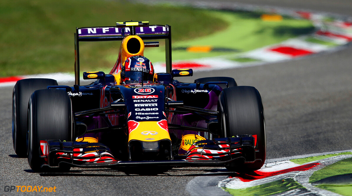 MONZA, ITALY - SEPTEMBER 06:  Daniil Kvyat of Russia and Infiniti Red Bull Racing drives during the Formula One Grand Prix of Italy at Autodromo di Monza on September 6, 2015 in Monza, Italy.  (Photo by Charles Coates/Getty Images) // Getty Images/Red Bull Content Pool // P-20150906-00960 // Usage for editorial use only // Please go to www.redbullcontentpool.com for further information. //  F1 Grand Prix of Italy Charles Coates Monza Italy  P-20150906-00960