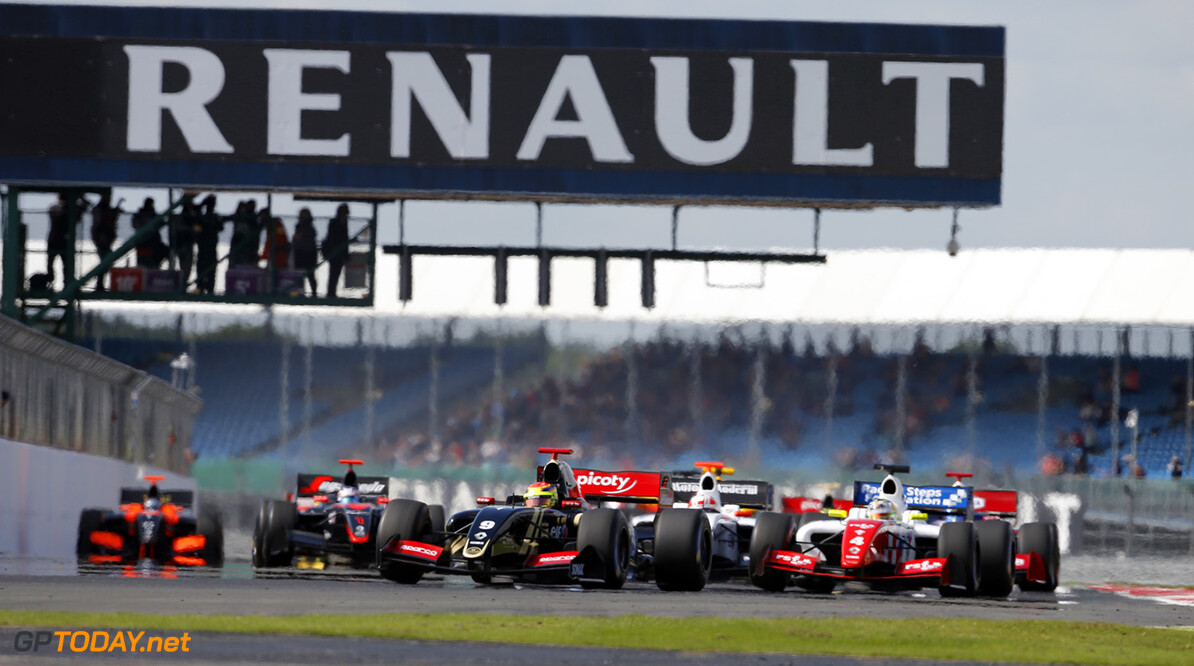 09 VAXIVIERE Matthieu (FRA) Lotus (CZE) action, start during the 2015 World Series by Renault from September 3 to 5th  2015, at Silverstone, England. Photo Francois Flamand / DPPI. AUTO - WSR SILVERSTONE 2015 Francois Flamand Silverstone Angleterre  2.0 2015 Auto Car CHAMPIONNAT ESPAGNE Europe FORMULA RENAULT FORMULES FR FR 3.5 MONOPLACE Motorsport Race RENAULT SPORT series Sport UNIPLACE VOITURES WORLD WORLD SERIES BY RENAULT WSR ANGLETERRE