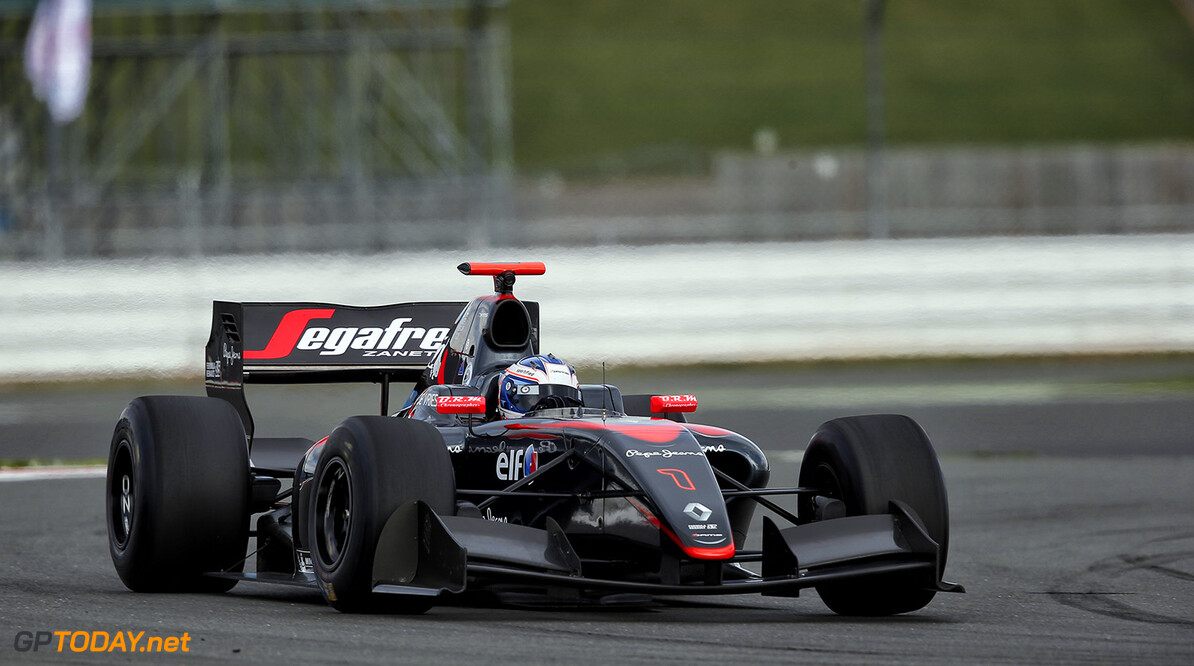 01 DE_VRIES Nyck (NED) Dams (FRA) action during the 2015 World Series by Renault from September 3 to 5th  2015, at Silverstone, England. Photo Alexandre Guillaumot  / DPPI. AUTO - WSR SILVERSTONE 2015 Alexandre Guillaumot Silverstone Angleterre  2.0 2015 Auto Car CHAMPIONNAT ESPAGNE Europe FORMULA RENAULT FORMULES FR FR 3.5 MONOPLACE Motorsport Race RENAULT SPORT series Sport UNIPLACE VOITURES WORLD WORLD SERIES BY RENAULT WSR ANGLETERRE