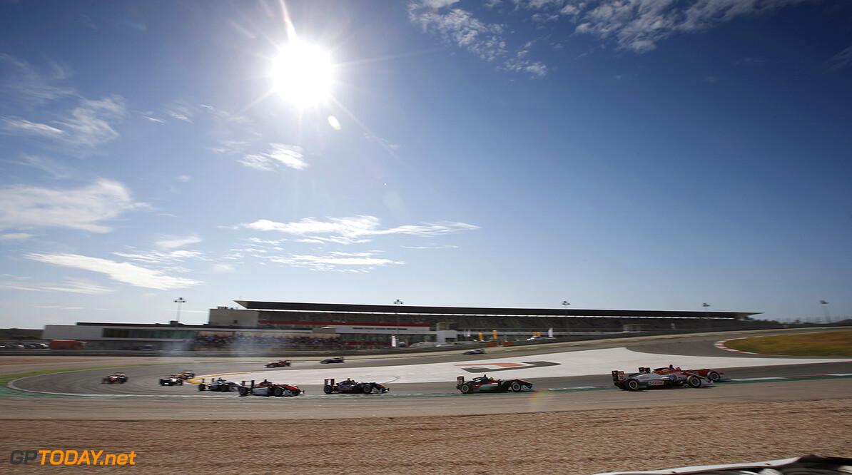 FIA Formula 3 European Championship, round 9, race 2, Portimao 19 Matt Solomon (HKG, Double R Racing, Dallara F312 - Mercedes-Benz), 30 Callum Ilott (GBR, Carlin, Dallara F312 - Volkswagen), 39 Alexander Sims (GBR, HitechGP, Dallara F312 - Mercedes-Benz), 36 Sam Macleod (GBR, Motopark, Dallara F312 - Volkswagen), FIA Formula 3 European Championship, round 9, race 2, Portimao (POR) - 4. - 6. September 2015 FIA Formula 3 European Championship, round 9, race 2, Portimao (POR) Thomas Suer Portimao Portugal
