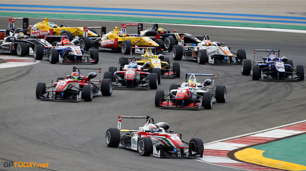 FIA Formula 3 European Championship, round 9, race 2, Portimao Start of the race, 1 Felix Rosenqvist (SWE, Prema Powerteam, Dallara F312 - Mercedes-Benz) taking the lead from 2 Jake Dennis (GBR, Prema Powerteam, Dallara F312 - Mercedes-Benz), 25 Lance Stroll (CAN, Prema Powerteam, Dallara F312 - Mercedes-Benz), 24 Nick Cassidy (NZL, Prema Powerteam, Dallara F312 - Mercedes-Benz), FIA Formula 3 European Championship, round 9, race 2, Portimao (POR) - 4. - 6. September 2015 FIA Formula 3 European Championship, round 9, race 2, Portimao (POR) Thomas Suer Portimao Portugal