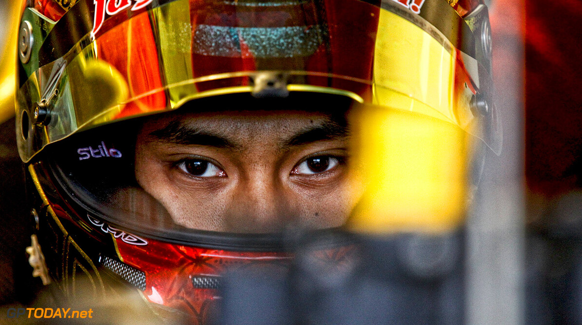 GELAEL Sean (INA) Jagonya Ayam with Carlin (GBR) ambiance portrait during the 2015 World Series by Renault from September 10 to 13th  2015, at Nurburgring, Germany. Photo Gregory Lenormand / DPPI. AUTO - WSR NURBURGRING 2015 Gregory Lenormand Nurburgring Allemagne  2.0 2015 ALLEMAGNE AUTO CAR CHAMPIONNAT Europe FORMULA RENAULT FORMULES FR FR 3.5 MONOPLACE MOTORSPORT RENAULT SPORT Race Sport UNIPLACE VOITURES WORLD WORLD SERIES BY RENAULT WSR series