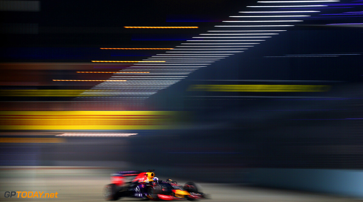 SINGAPORE - SEPTEMBER 18:  Daniel Ricciardo of Australia and Infiniti Red Bull Racing drives during practice for the Formula One Grand Prix of Singapore at Marina Bay Street Circuit on September 18, 2015 in Singapore.  (Photo by Clive Mason/Getty Images) // Getty Images/Red Bull Content Pool // P-20150918-00567 // Usage for editorial use only // Please go to www.redbullcontentpool.com for further information. //  F1 Grand Prix of Singapore - Practice Clive Mason Singapore Singapore  P-20150918-00567