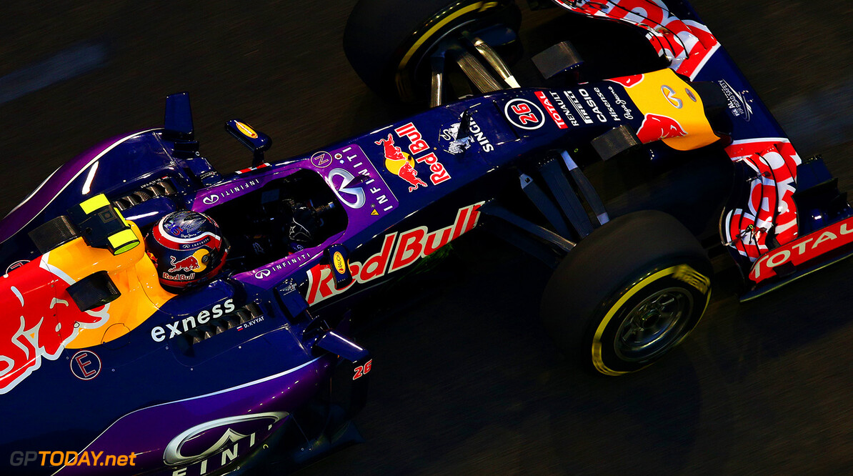 SINGAPORE - SEPTEMBER 18:  Daniil Kvyat of Russia and Infiniti Red Bull Racing drives during practice for the Formula One Grand Prix of Singapore at Marina Bay Street Circuit on September 18, 2015 in Singapore.  (Photo by Clive Mason/Getty Images) // Getty Images/Red Bull Content Pool // P-20150918-00400 // Usage for editorial use only // Please go to www.redbullcontentpool.com for further information. //  F1 Grand Prix of Singapore - Practice Clive Mason Singapore Singapore  P-20150918-00400