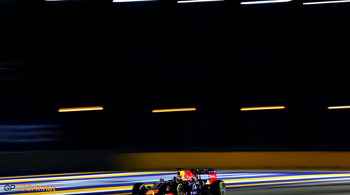 SINGAPORE - SEPTEMBER 19:  Daniel Ricciardo of Australia and Infiniti Red Bull Racing drives during qualifying for the Formula One Grand Prix of Singapore at Marina Bay Street Circuit on September 19, 2015 in Singapore.  (Photo by Mark Thompson/Getty Images) // Getty Images/Red Bull Content Pool // P-20150919-00305 // Usage for editorial use only // Please go to www.redbullcontentpool.com for further information. //  F1 Grand Prix of Singapore - Qualifying Mark Thompson Singapore Singapore  P-20150919-00305