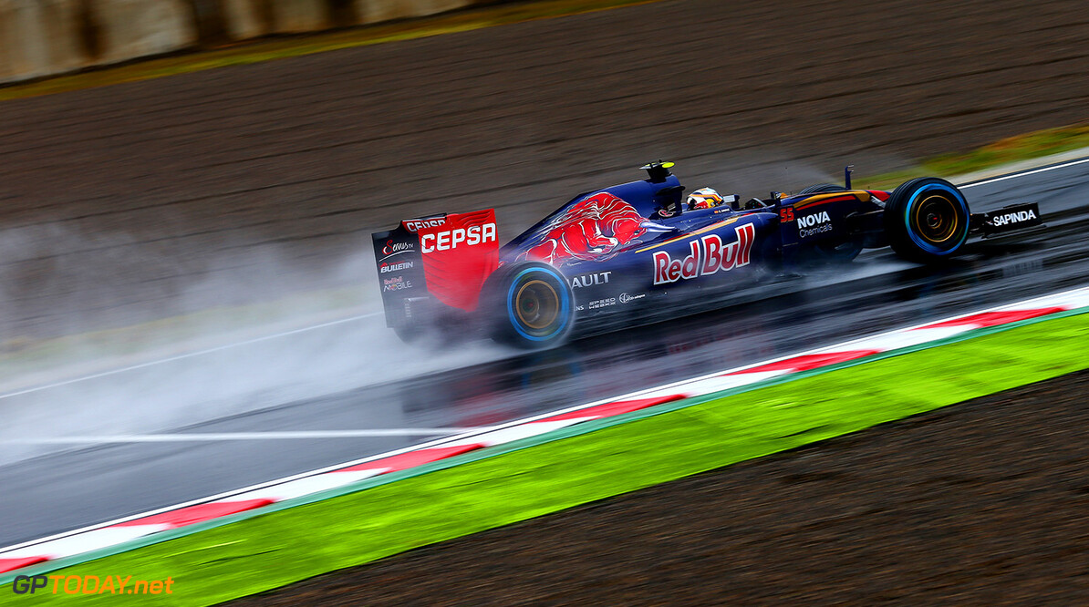 SUZUKA, JAPAN - SEPTEMBER 25:  Carlos Sainz of Spain and Scuderia Toro Rosso drives during practice for the Formula One Grand Prix of Japan at Suzuka Circuit on September 25, 2015 in Suzuka.  (Photo by Dan Istitene/Getty Images) // Getty Images/Red Bull Content Pool // P-20150925-00038 // Usage for editorial use only // Please go to www.redbullcontentpool.com for further information. //  F1 Grand Prix of Japan - Practice Dan Istitene Suzuka Japan  P-20150925-00038