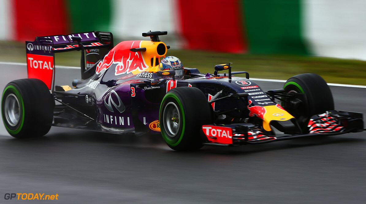 SUZUKA, JAPAN - SEPTEMBER 25:  Daniel Ricciardo of Australia and Infiniti Red Bull Racing drives during practice for the Formula One Grand Prix of Japan at Suzuka Circuit on September 25, 2015 in Suzuka.  (Photo by Clive Mason/Getty Images) // Getty Images/Red Bull Content Pool // P-20150925-00171 // Usage for editorial use only // Please go to www.redbullcontentpool.com for further information. //  F1 Grand Prix of Japan - Practice Clive Mason Suzuka Japan  P-20150925-00171