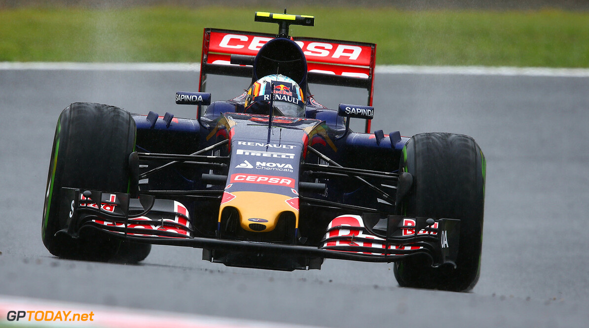 SUZUKA, JAPAN - SEPTEMBER 25:  Carlos Sainz of Spain and Scuderia Toro Rosso drives during practice for the Formula One Grand Prix of Japan at Suzuka Circuit on September 25, 2015 in Suzuka.  (Photo by Clive Mason/Getty Images) // Getty Images/Red Bull Content Pool // P-20150925-00315 // Usage for editorial use only // Please go to www.redbullcontentpool.com for further information. //  F1 Grand Prix of Japan - Practice Clive Mason Suzuka Japan  P-20150925-00315