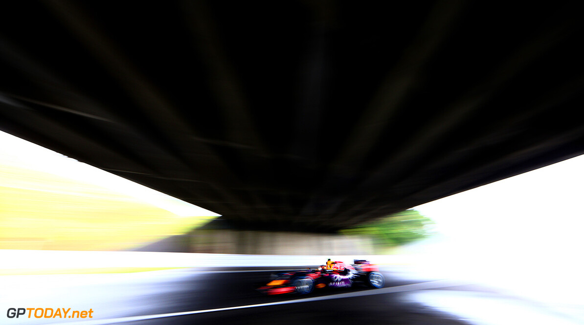 SUZUKA, JAPAN - SEPTEMBER 25:  Daniil Kvyat of Russia and Infiniti Red Bull Racing drives during practice for the Formula One Grand Prix of Japan at Suzuka Circuit on September 25, 2015 in Suzuka.  (Photo by Clive Mason/Getty Images) // Getty Images/Red Bull Content Pool // P-20150925-00024 // Usage for editorial use only // Please go to www.redbullcontentpool.com for further information. //  F1 Grand Prix of Japan - Practice Clive Mason Suzuka Japan  P-20150925-00024