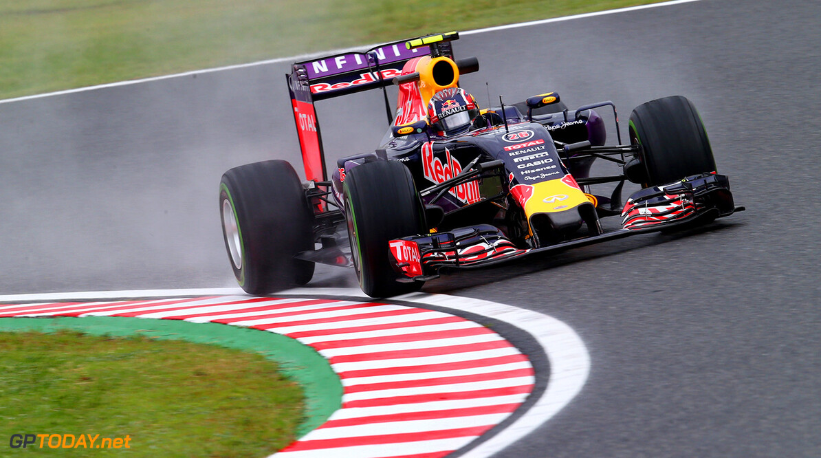 SUZUKA, JAPAN - SEPTEMBER 25:  Daniil Kvyat of Russia and Infiniti Red Bull Racing drives during practice for the Formula One Grand Prix of Japan at Suzuka Circuit on September 25, 2015 in Suzuka.  (Photo by Clive Rose/Getty Images) // Getty Images/Red Bull Content Pool // P-20150925-00203 // Usage for editorial use only // Please go to www.redbullcontentpool.com for further information. //  F1 Grand Prix of Japan - Practice Clive Rose Suzuka Japan  P-20150925-00203