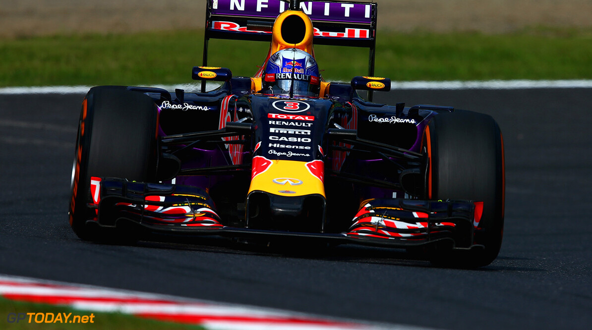 SUZUKA, JAPAN - SEPTEMBER 27:  Daniel Ricciardo of Australia and Infiniti Red Bull Racing drives during the Formula One Grand Prix of Japan at Suzuka Circuit on September 27, 2015 in Suzuka, Japan.  (Photo by Clive Mason/Getty Images) // Getty Images/Red Bull Content Pool // P-20150927-00298 // Usage for editorial use only // Please go to www.redbullcontentpool.com for further information. //  F1 Grand Prix of Japan Clive Mason Suzuka Japan  P-20150927-00298